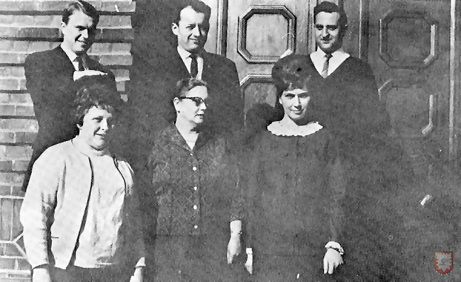 Das Lehrerkollegium der Laurentiusschule im Jahre 1967. Im Bild von links nach rechts / oben: Heinz Scherf, Erich Wolf, Heinz Ressmann. unten: Luzie Elvermann, Luzie Gramse, Christine Stockhoff.