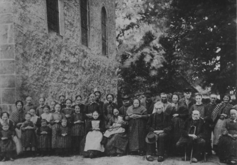 Waisenkinder und Senioren um 1900