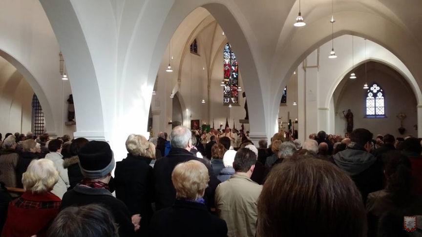 Die gut besuchte St. Laurentius-Kirche in Lembeck (Foto: Tobias Stockhoff)