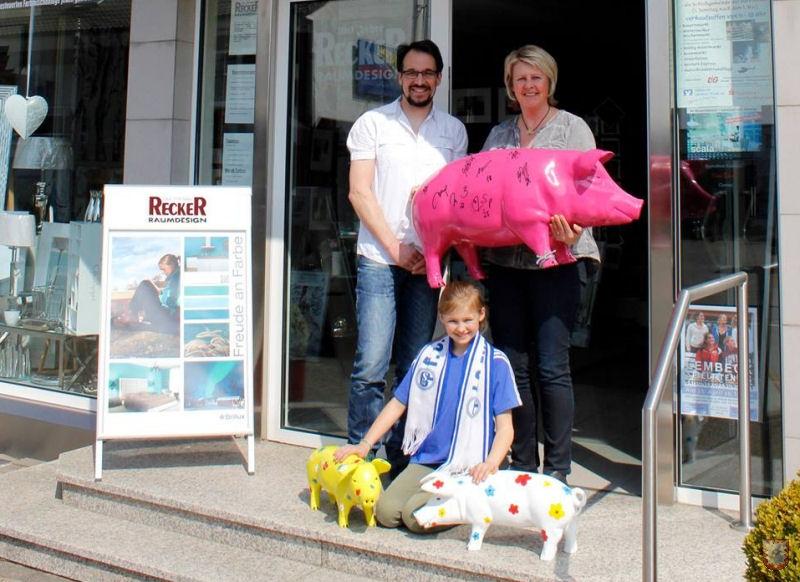 Auf dem Foto: Marcus Löken, Elli Löken und Tochter Hannah.