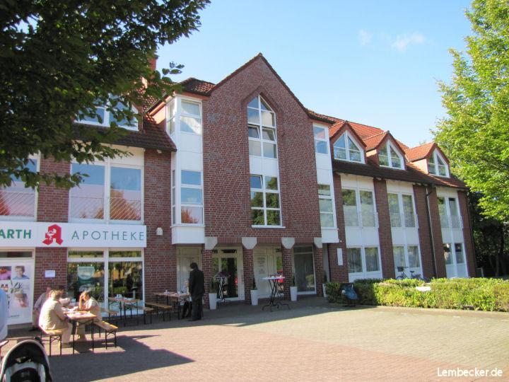 Das Ärztehaus 2010 bei Eröffnung der Holzwarth-Apotheke. Foto © : Lembecker.de - Frank Langenhorst