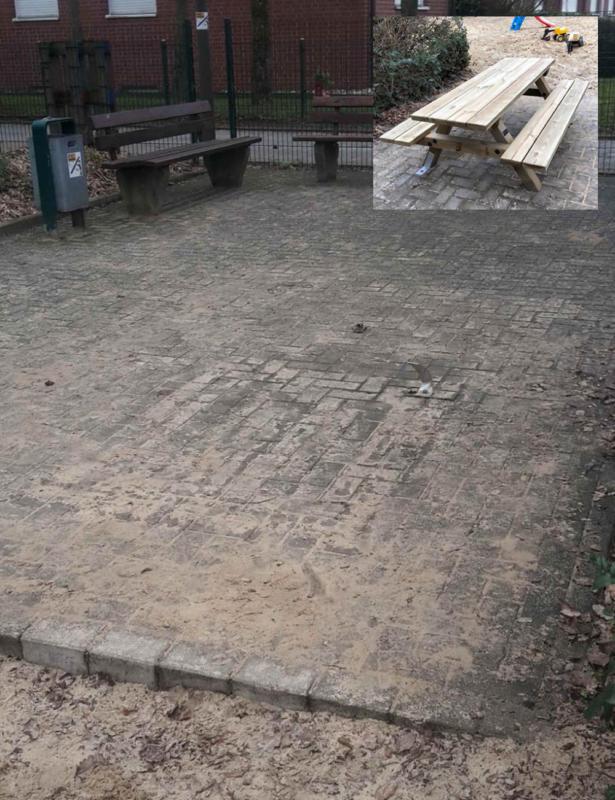 Spielplatz Bonhoefferring, Bank, Tisch