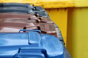 Müllabfuhr: gelb + blau